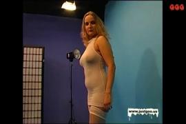 Porno les femmes qui baisent avec des goris
